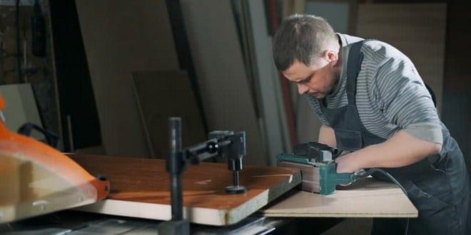 best sanders for furniture refinishing