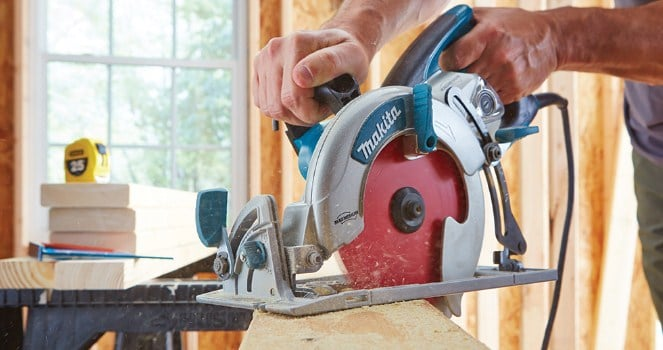 Cutting thick wood with the circular saw