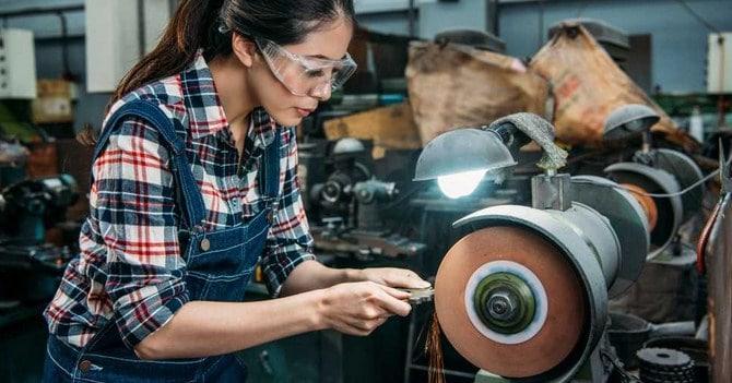 Choosing a bench grinder